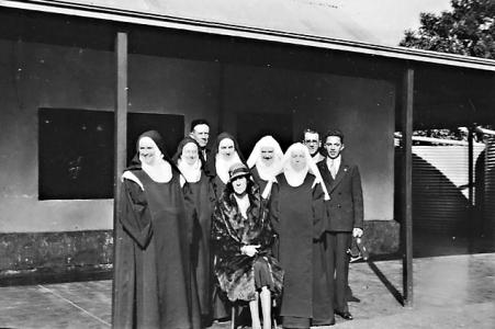 The first Carmelites with Mrs. Turnbull, 1934